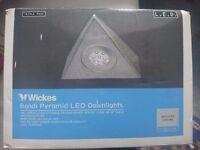 Wickes bondi pyramid LED downlights x3