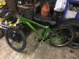 Lapierre Rapt 2.2 dirt jump bike
