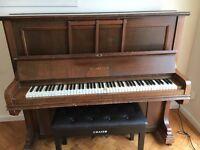 Piano + stool