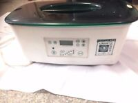 Digital Paraffin Wax Heater (Clean+Easy) The Spa provides a soothing bath of warm paraffin