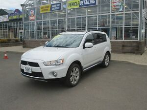 2013 Mitsubishi Outlander XLS - Loaded with Power Locks, Windows