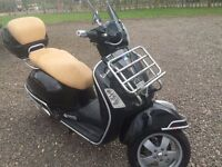 Vespa scooter 250 ie with accessories UNDER OFFER