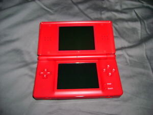 RED NINTENDO DSI INCLUDES CHARGER + PEN + HAPPY FEET 2