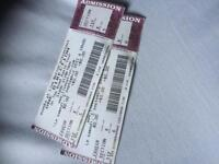 2 One Direction tickets for tonight !!