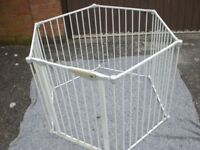 MOTHERCARE HEXAGON PLAYPEN ALSO ROOM DIVIDER IN GOOD CONDITION