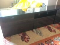 Similar to the Ikea BESTA TV Bench Black-brown/selsviken high-gloss/black smoked glass (no legs)