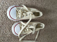 Converse Cream Trainers Like New. UK kids size 6