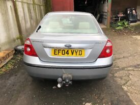 Ford mondeo ghia auto tow bar full leather erior very good condition drives superb 8 months m o t