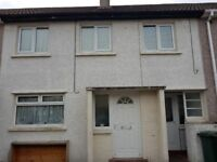3 Bedroom House for Rent with garden and close to local amenities and schools