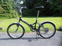Folding bike (child or young adult) - Excellent condition!
