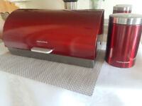 Bread bin and containers