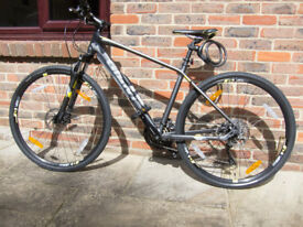 Last Minute XMAS bargain opportunity: Giant Roam Hybrid Bike, as new. Can deliver up to 15 miles