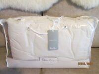 """Brand New SILVER CROSS """"Honey Pot"""" design cot/cot bed bumper"""