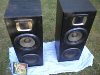 100w Kenwood HiFi speakers - punchy base and detailed high's - need gone asap