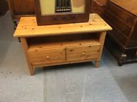 NICE PINE TV STAND WITH SHELF AND DRAWERS FOR STORAGE