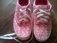 Hello Kitty Vans.