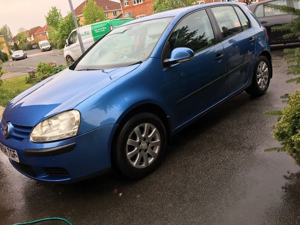 VW GOlF SE FSI 1.6 5 door blue 54 plate