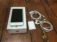 Iphone 5 silver, perfect condition with all accessories