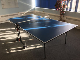Table Tennis Table. Dunlop EVO 600