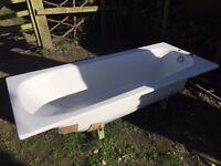 LARGE WHITE STEEL BATH TUB 1.9m X 0.8m
