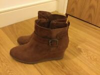 Ladies brand new brown suede effect boots- size 7.5