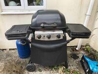 New York 3 Burner Gas Barbecue with Side Burner + Gas Bottle