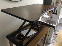 Standing desk / adjustable work station