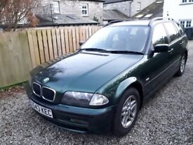 BMW 3-Serise Touring - British racer green. Excellent condition
