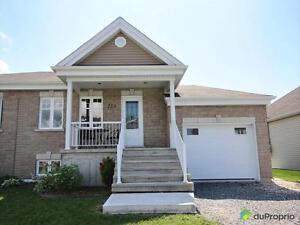 234 900$ - Jumelé à vendre à Beauharnois West Island Greater Montréal image 1