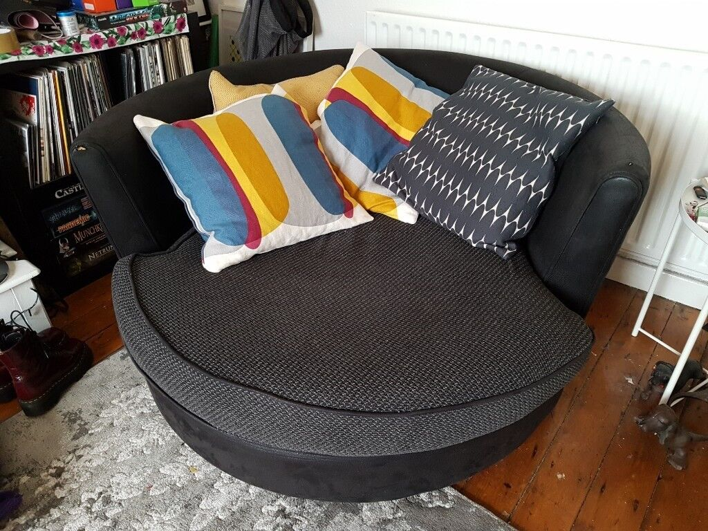 Fantastic Large Round Swivel Arm Chair In Mapperley Nottinghamshire Gumtree Home Interior And Landscaping Ferensignezvosmurscom