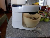 KENWOOD CHEF FOOD MIXER WITH DOUGH HOOK KBEATER AND WHISK EX CONDITION