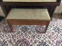 Double piano stool/toy box