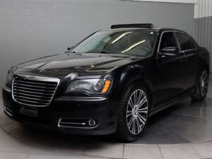 2013 Chrysler 300 S A\C MAGS TOIT PANO CUIR NAVIGATION