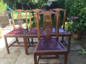 4 Vintage Dinning Room Chairs