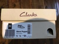 CLARKS LADIES SILVER LEATHER GLOVE PUPPET FLAT PUMPS - BRAND NEW