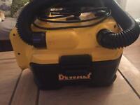 dewalt vacuum with 5a battery