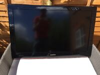 """Samsung LED 40"""" TV with Freeview & Stand"""