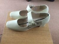 Size 5 Cream shoes