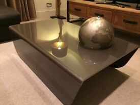 Luxury Living room table, from Natuzzi, made of smoked glass