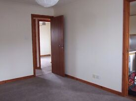 2 bed flat to let, off street parking and entry phone