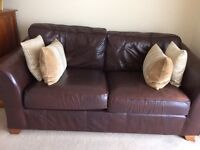Italian leather 2seater Sofa chocolate brown excellent condition(marks and Spencer)