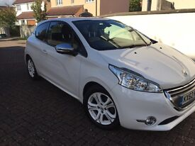 WITH WARRANTY! 1.2 Peugeot 208 Allure 62 plate