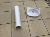 Sink and Full Pedestal for WC Cloakroom. Bathroom. Ceramic. White. Side tap hole
