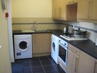 Stretford, Room to let in Friendly Clean Shared House.