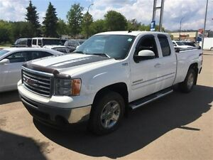 2011 GMC Sierra 1500 SLE1 *Sunroof* *Low KMs!*
