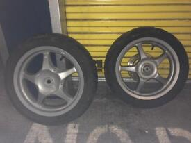 Scooter wheels with tyres
