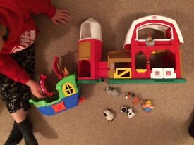 FISHER PRICE farm and ship