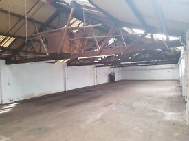 Upper Floor 2600 Sq ft Industrial Unit Storage Warehouse To Let Office Area Toilets Gated Yard