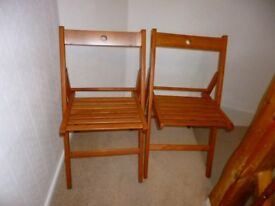 2 collapsible pine chairs