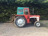 International 434 Diesal tractor with fault lift